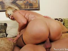 Slutty plump mother from Japan loves anal hardcore