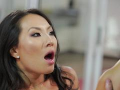 Asa Akira - My boss left me after work