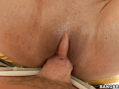 Athletic chick Jewels Jade takes big dick in her bubble butt